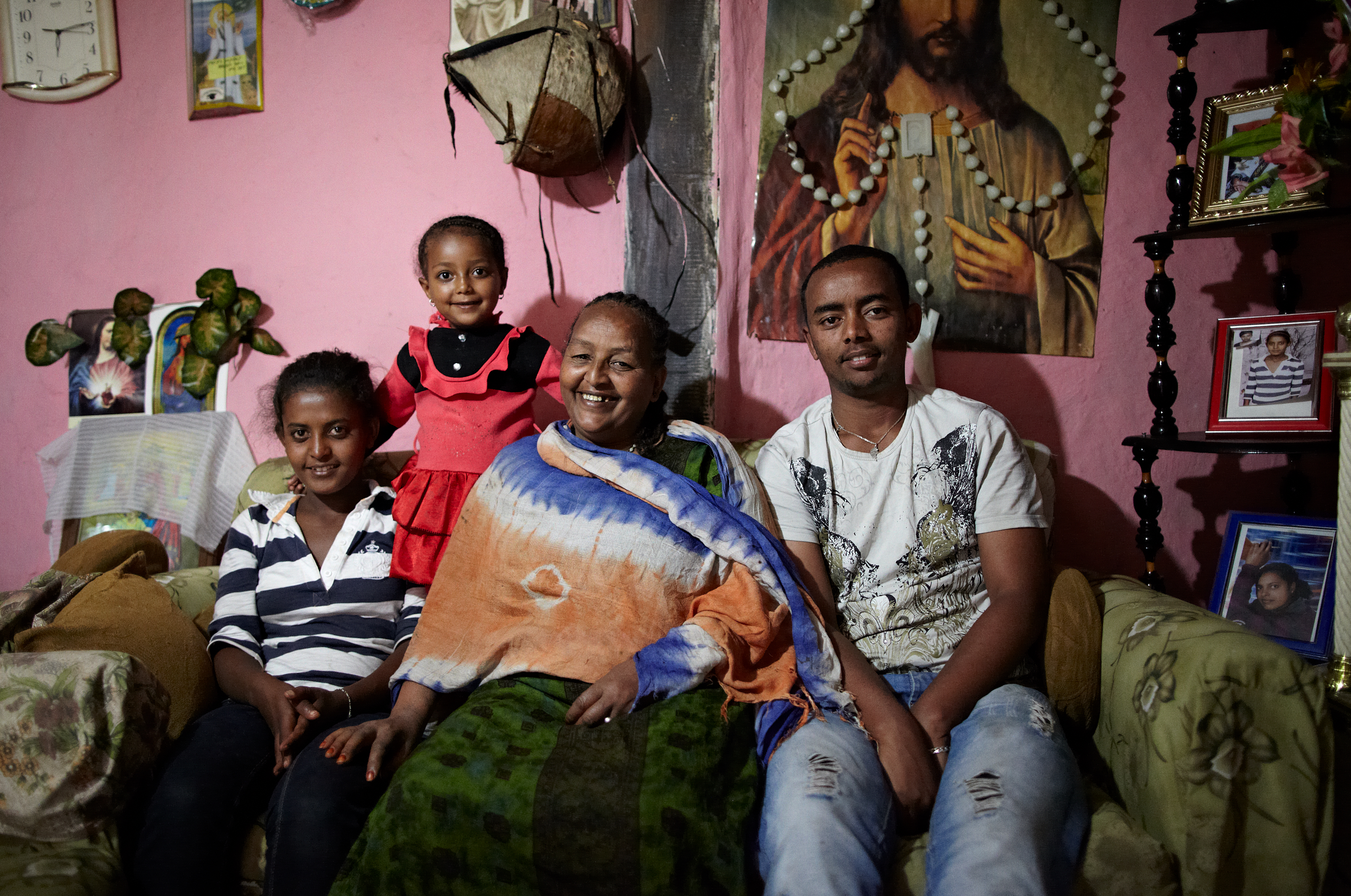 Documentary Photography, Who Lives Here, Ethiopia, Getting to know; Who Lives Here.